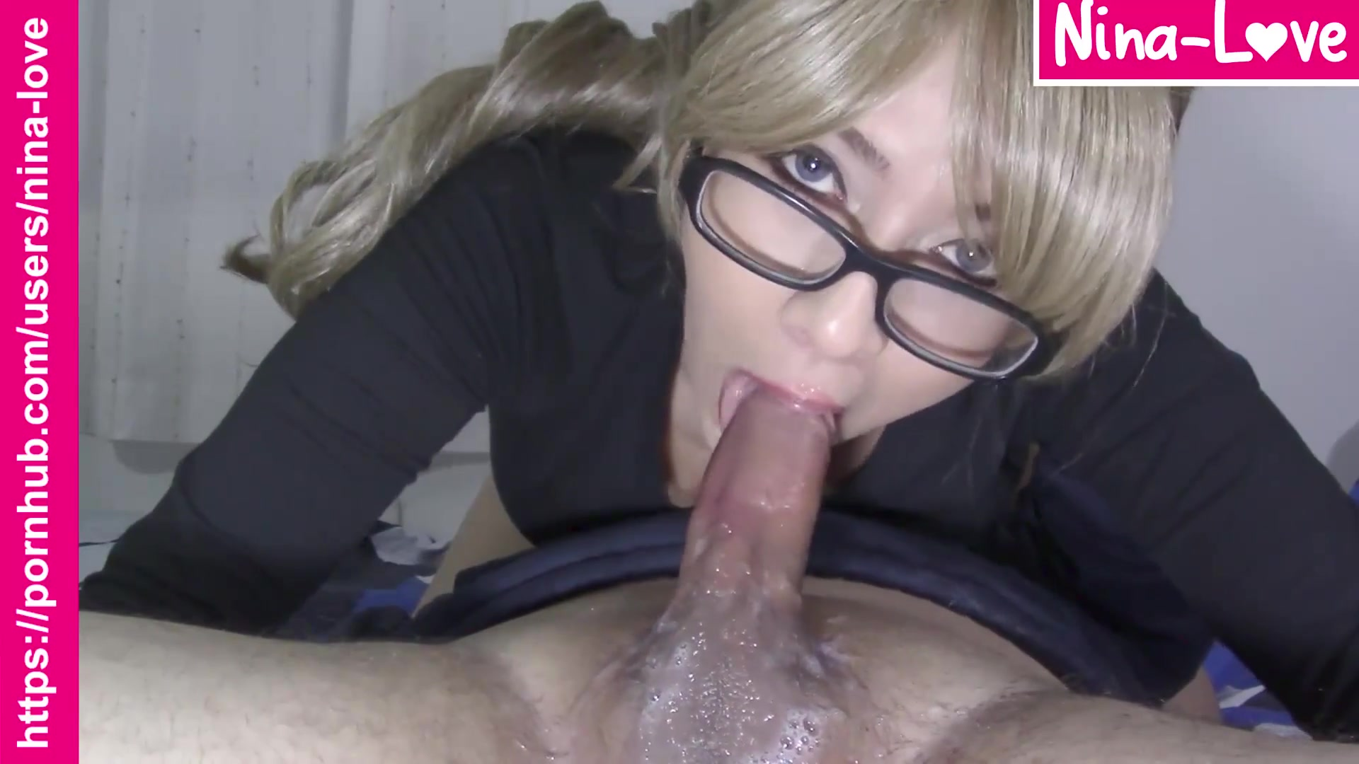 Nerdy Blondie gives a Sloppy no Hands 69 Giving Head