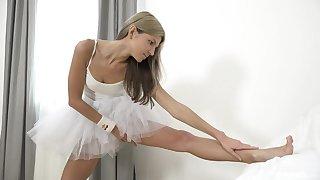 Russian ballerina Gina Gerson's outstanding masturbation solo