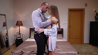 Russian Nicole Pearl knows how to keep her man wanting more
