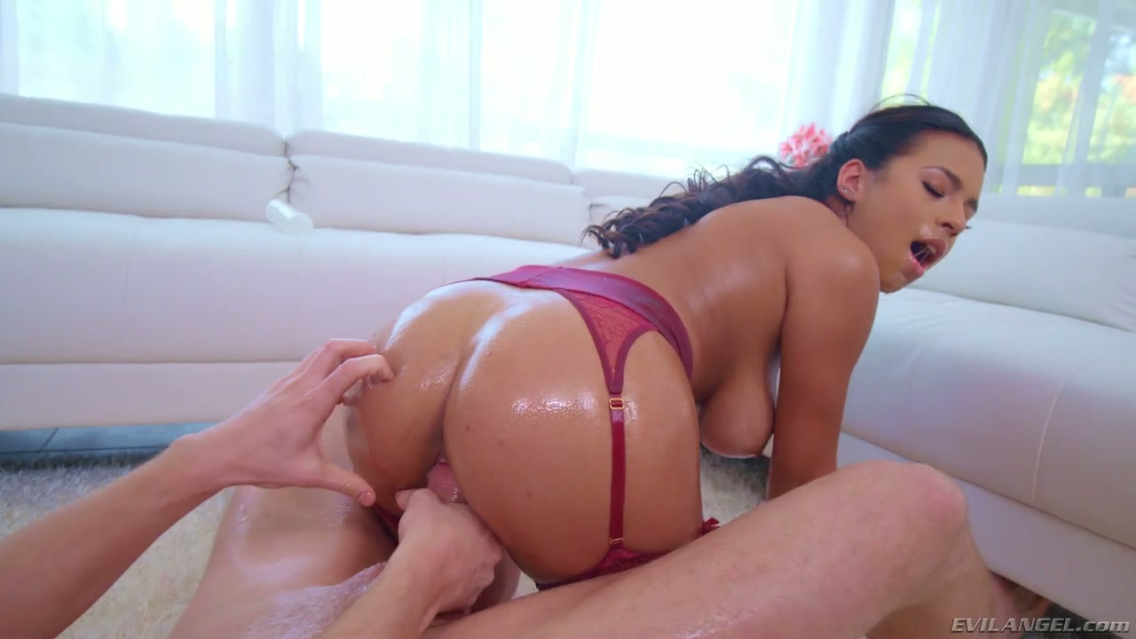 Tanned big breasted Autumn Falls gets lubed and mouthfucked