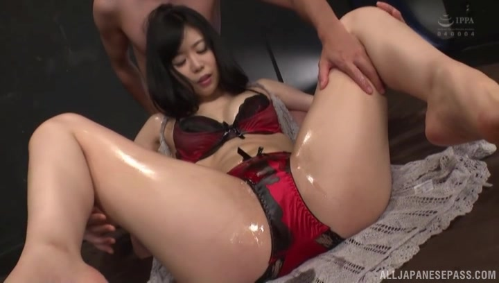 oiled Miyamura Nanako spreads her legs for a penis while she moans