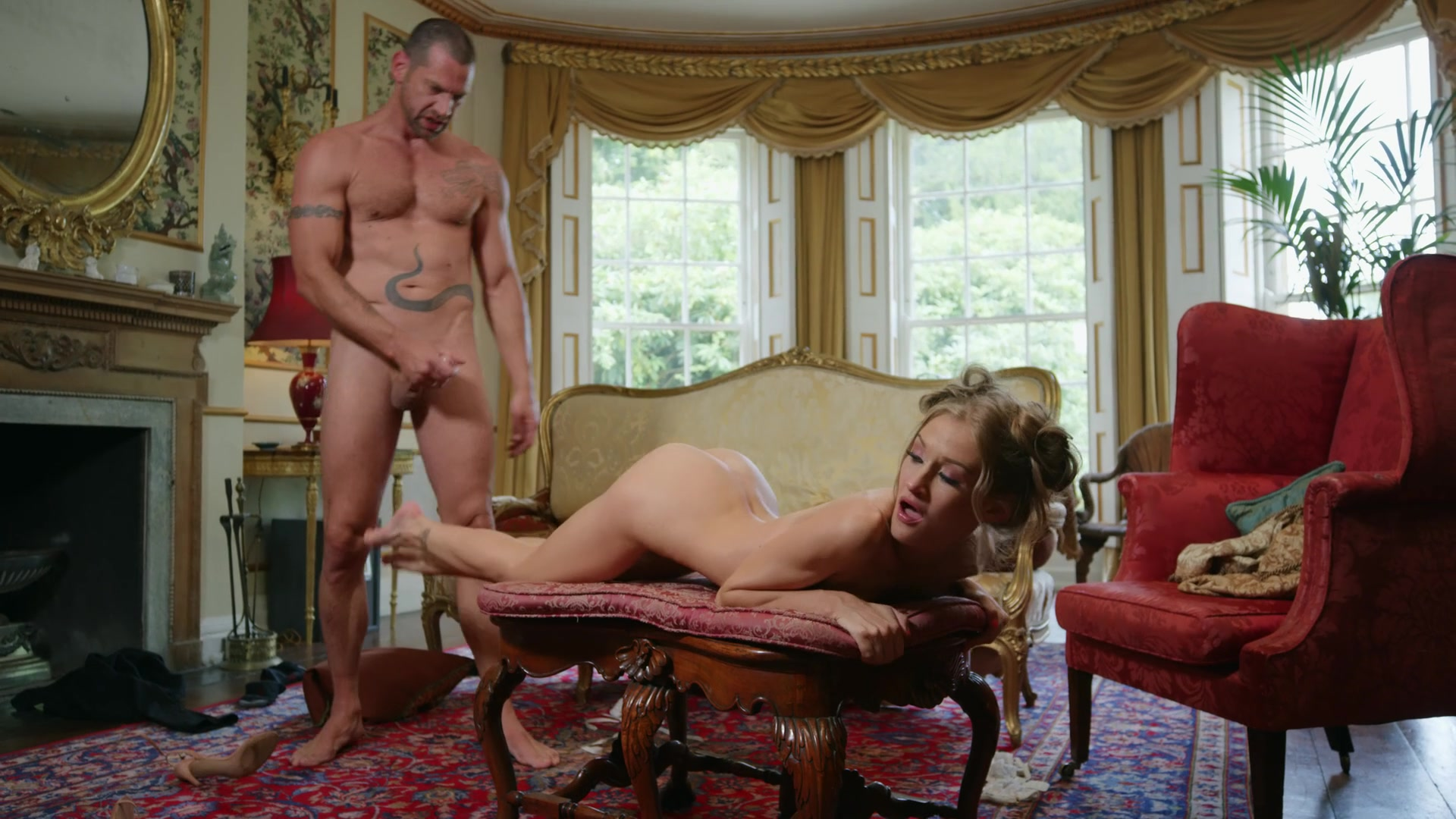 flexible and attractive blonde Tiffany Tatum gets her cunt banged