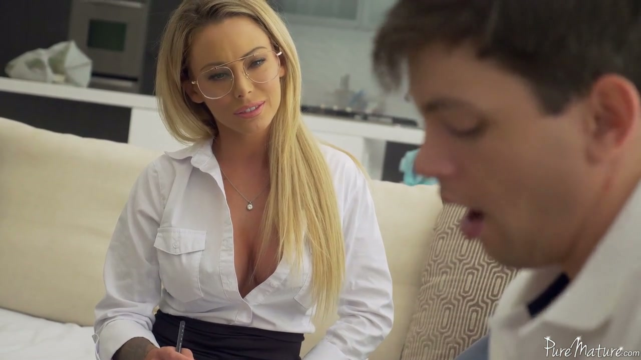 Sophomore student has the honor to fuck killing hot teacher Isabelle Deltore